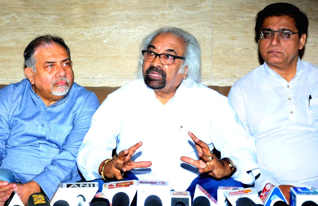 Congress leader Sam Pitroda addresses a press conference in Amritsar, on May 8, 2019.