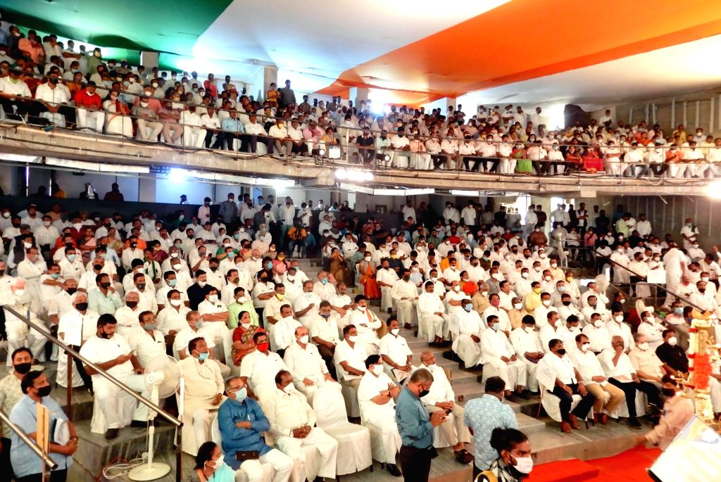 Congress leaders attend Pratijna Dina preparatory meeting ahead of July 2, 2020, when party leader D K Shivakumar is scheduled to officially take over as the Karnataka Congress President, ...