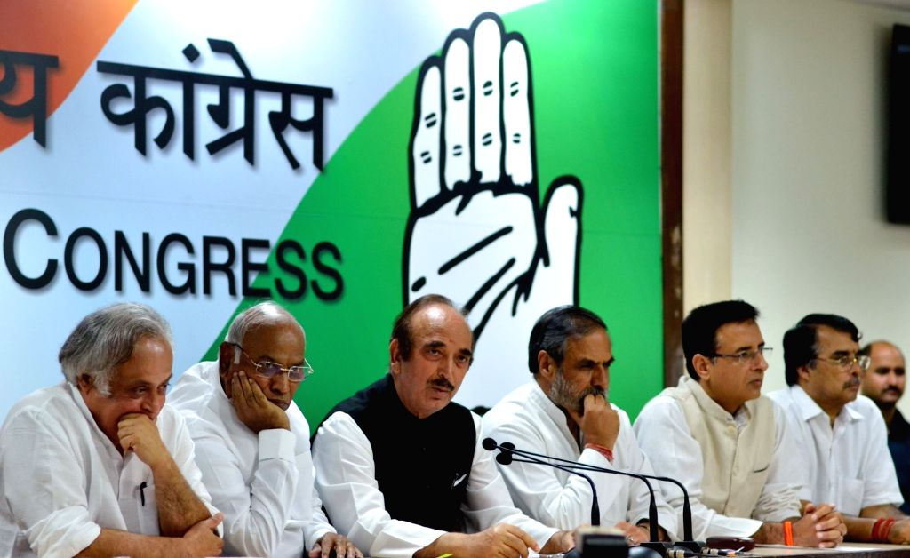 Congress leaders Jairam Ramesh, Mallikarjun Kharge, Ghulam Nabi Azad, Anand Sharma and Randeep Surjewala during a press conference regarding GST; in New Delhi on June 29, 2017. - Anand Sharma