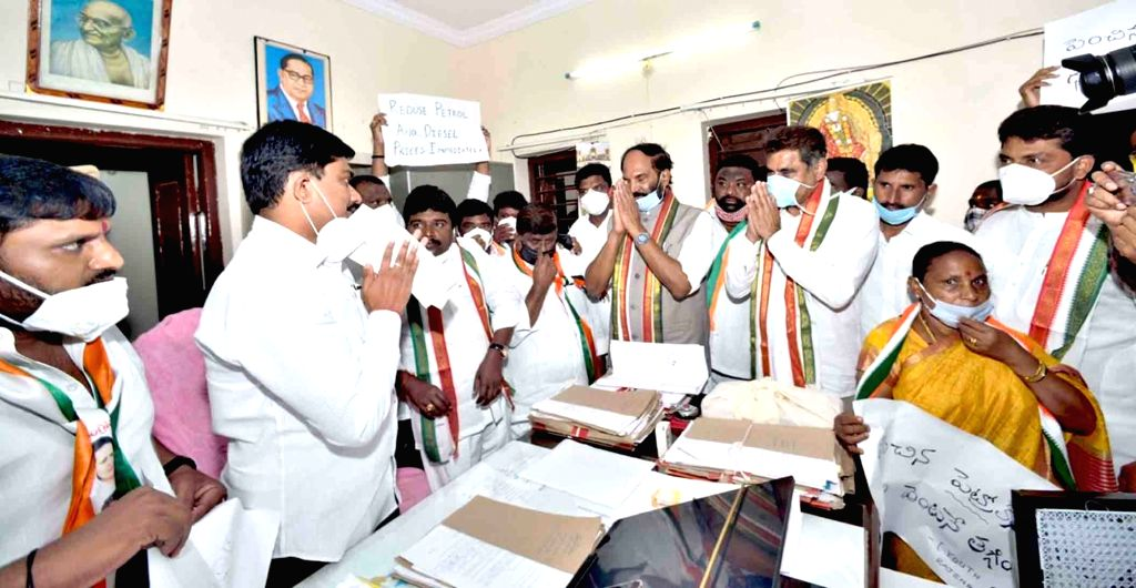 Congress leaders led by Telangana party president N. Uttam Kumar Reddy submit a memorandum addressed to the President of India, over a hike in the prices of petrol and diesel demanding the ...