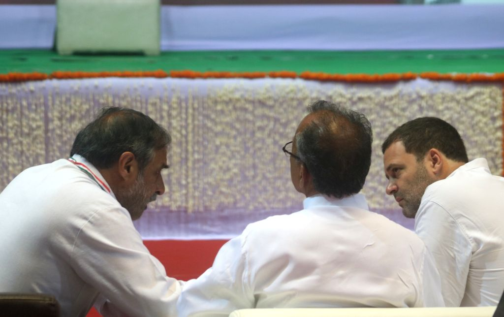 Congress leaders Rahul Gandhi and Anand Sharma in a conversation during an OBC (Other Backward Class) convention, in New Delhi on June 11, 2018. - Rahul Gandhi and Anand Sharma