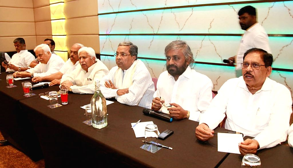 Congress leaders Siddaramaiah, Eshwar Khandre, G. Parameshwara and other leaders of the party during Congress legislature party meeting in Bengaluru on Oct 9, 2019.