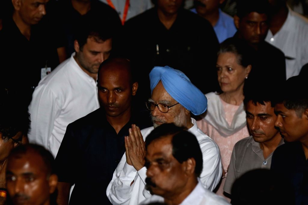 Congress leaders Sonia Gandhi, Manmohan Singh and Rahul Gandhi arrive to pay tribute to Arun Jaitley at his residence in New Delhi on Aug 24, 2019. - Sonia Gandhi, Manmohan Singh, Rahul Gandhi and Arun Jaitley