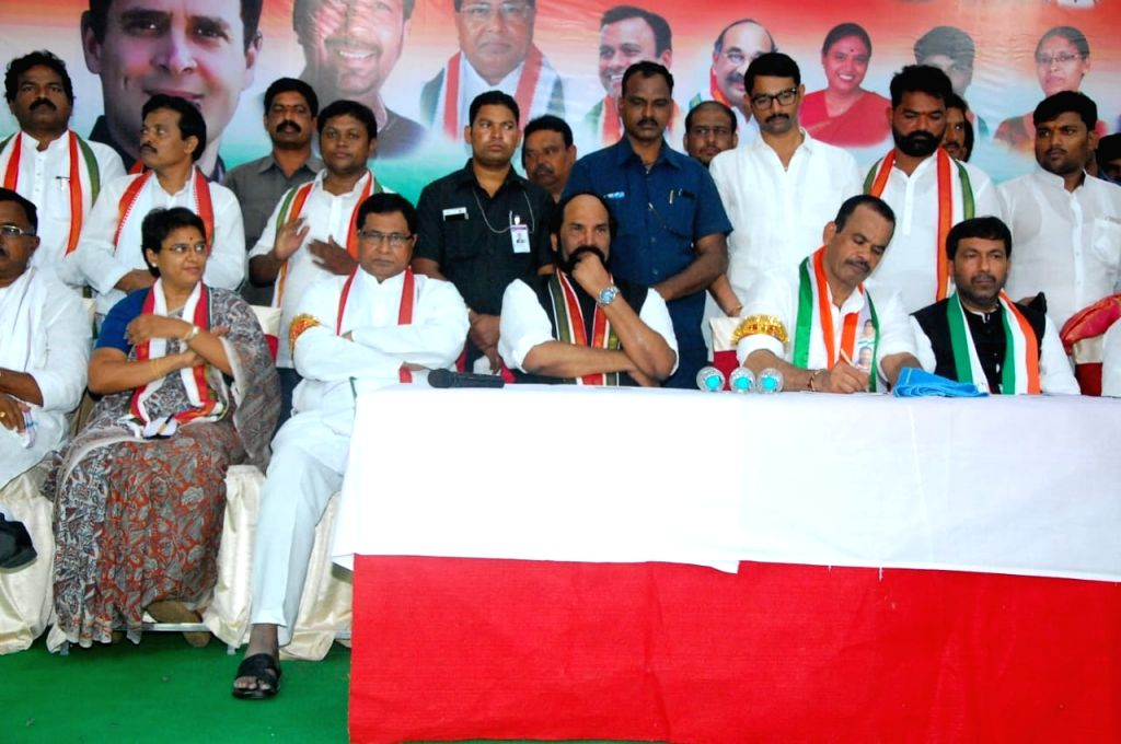 Congress leaders Uttam Kumar Reddy, K. Jana Reddy, Komatireddy and other leaders of the party at a party meeting, in Hyderabad on July 15, 2018. - Uttam Kumar Reddy and K. Jana Reddy