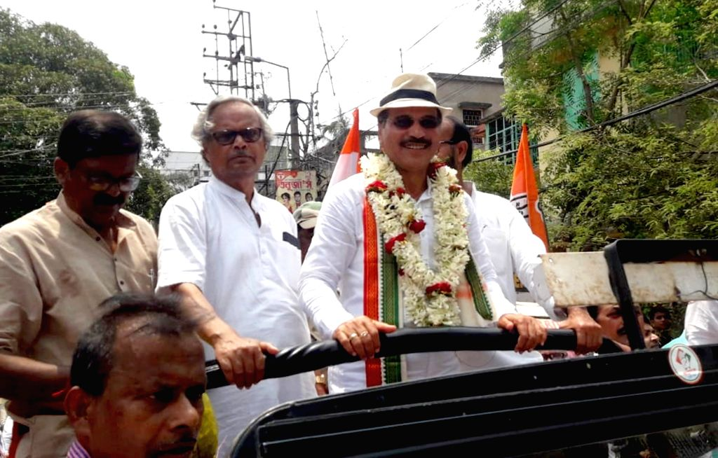 Congress' Lok Sabha candidate from Baharampur, Adhir Ranjan Chowdhury during a roadshow ahead of the 2019 L0k Sabha elections, in West Bengal's Baharampur, on April 26, 2019.