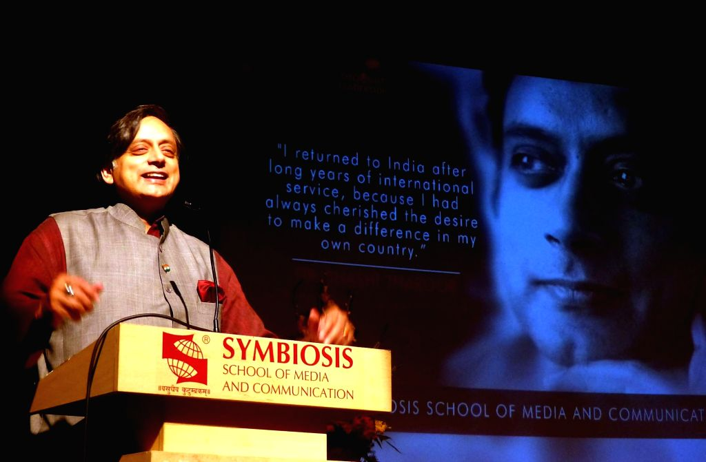 """Congress MP Shashi Tharoor addresses during  """"Thought Leadership Lectures"""" at Symbiosis School of Media and Communication (SSMC) in Bengaluru, on Sept 25, 2016. - Shashi Tharoor"""