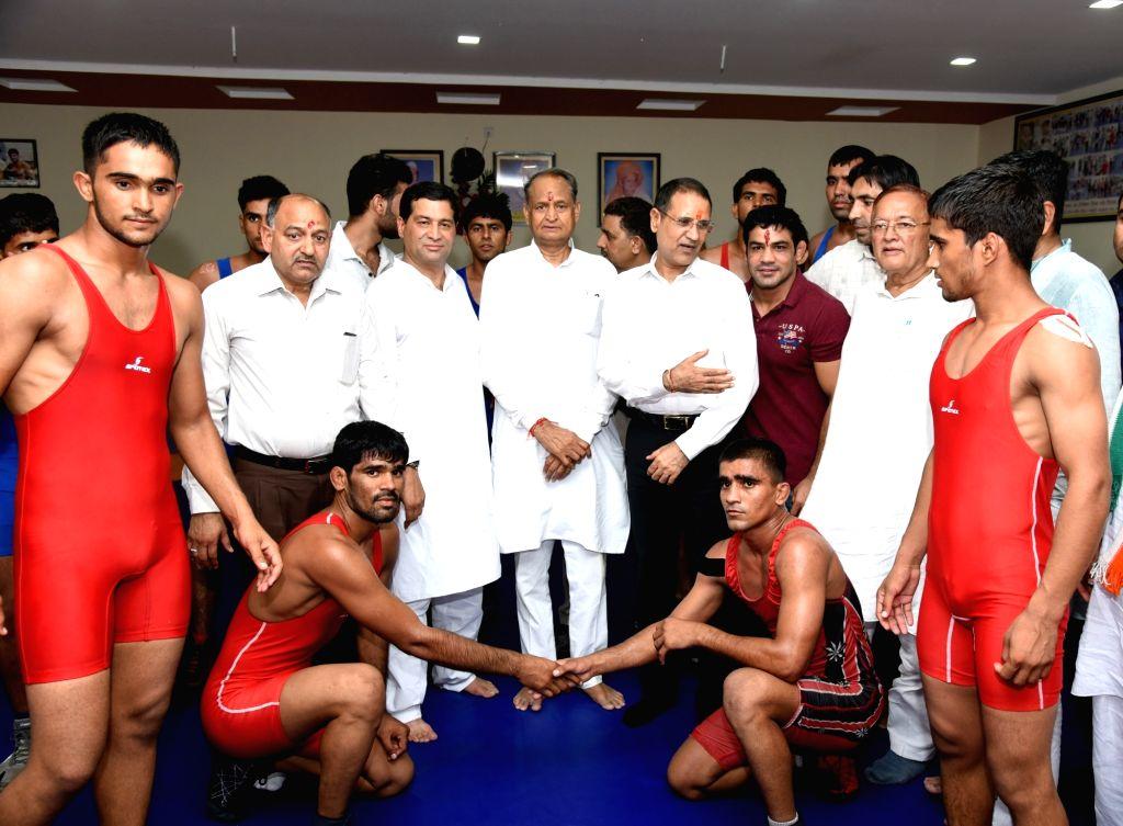 Congress national general secretary Ashok Gehlot  and wrestler Sushil Kumar during a wrestling event, in Bikaner on Sept 9, 2018. - Sushil Kumar