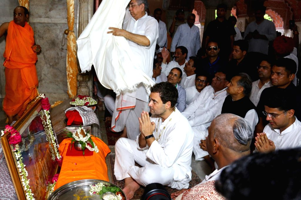 Congress President Rahul Gandhi peform rituals at the Govind Dev Ji temple in Jaipur on Aug 11, 2018. - Rahul Gandhi and Govind Dev J