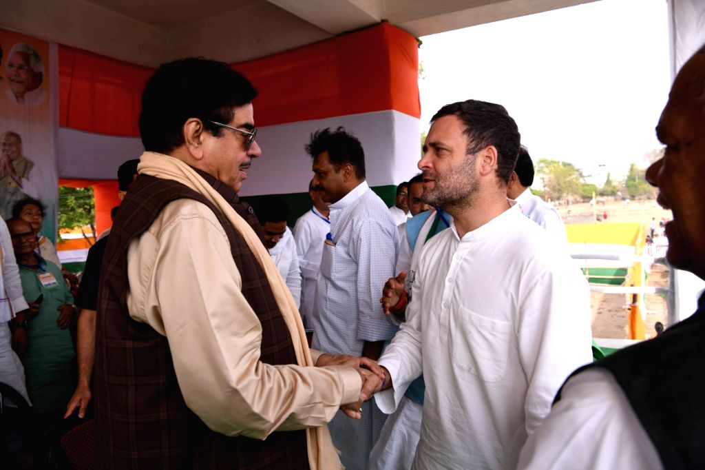 Congress President Rahul Gandhi with actor turned politician Shatrughan Sinha during a Congress rally in Gaya, Bihar on April 9, 2019. - Rahul Gandhi and Shatrughan Sinha