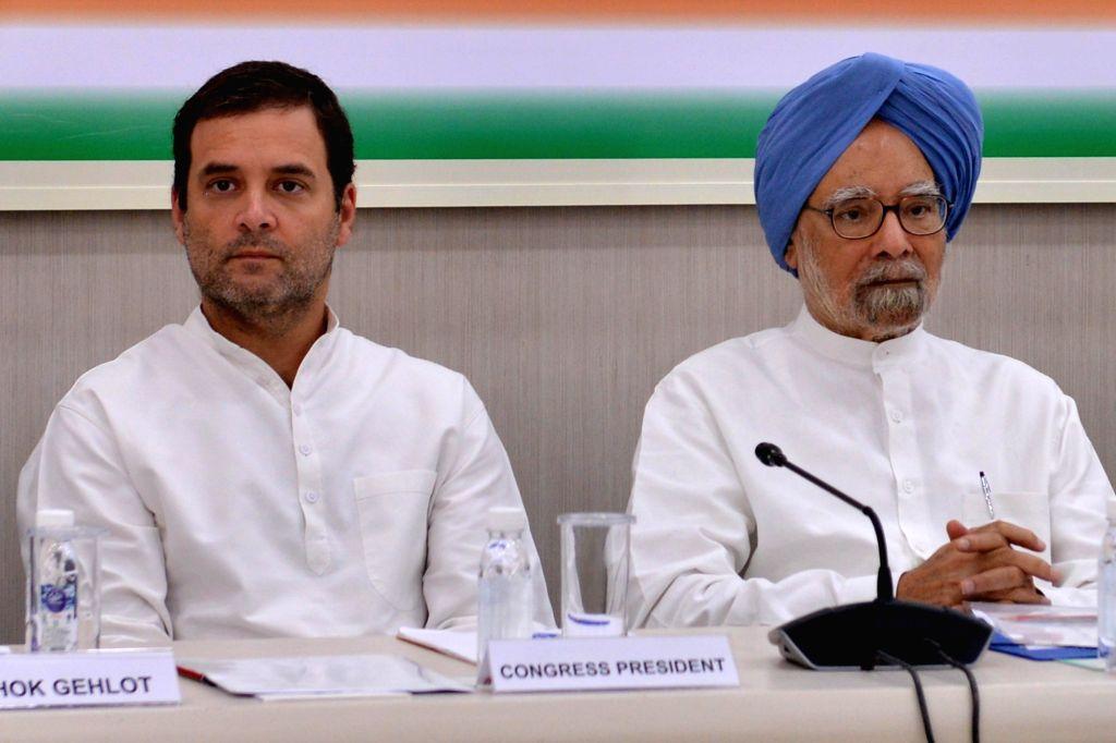 Congress President Rahul Gandhi with former Prime Minister Manmohan Singh, senior leaders Ghulam Nabi Azad, Mallikarjun Kharge, Ashok Gehlot, A K Antony and others at the Congress Working ... - Manmohan Singh and Rahul Gandhi
