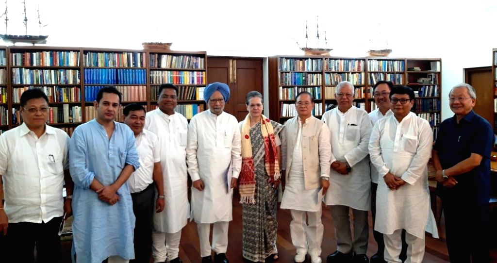 Congress President Sonia Gandhi and Former Prime Minister Manmohan Singh meet senior Congress leaders from North Eastern states, in New Delhi on Sep 13, 2019. - Manmohan Singh and Sonia Gandhi