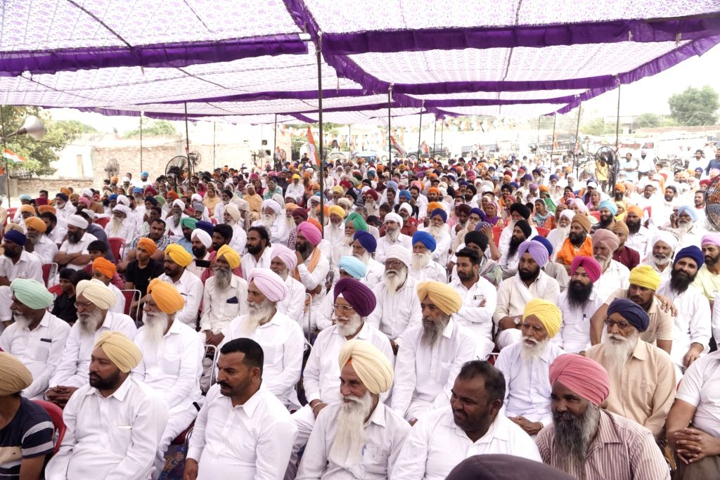 Congress supporters during the public rally of party's Lok Sabha candidate from Amritsar, Gurjeet Singh Aujla ahead of the 2019 Lok Sabha elections, in Amritsar on May 11, 2019. - Gurjeet Singh Aujla