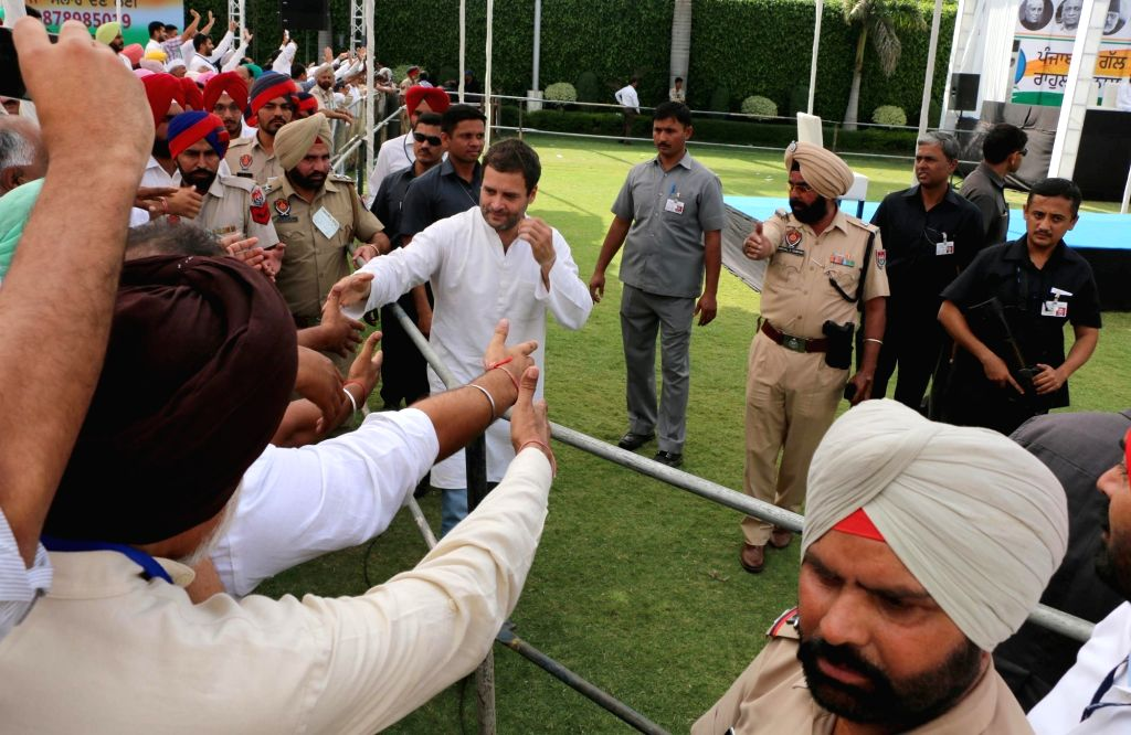 """Congress vice president Rahul Gandhi during """"Punjab Di Gal Rahul Naal"""" an interaction programme with party workers in Chandigarh on April 16, 2016. - Rahul Gandhi and Rahul Naal"""