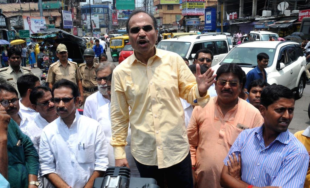 Congress workers led by West Bengal Congress chief Adhir Ranjan Chowdhury after being detained police for marching towards riot-hit Baduria in West Bengal's North 24 Parganas district; in ...