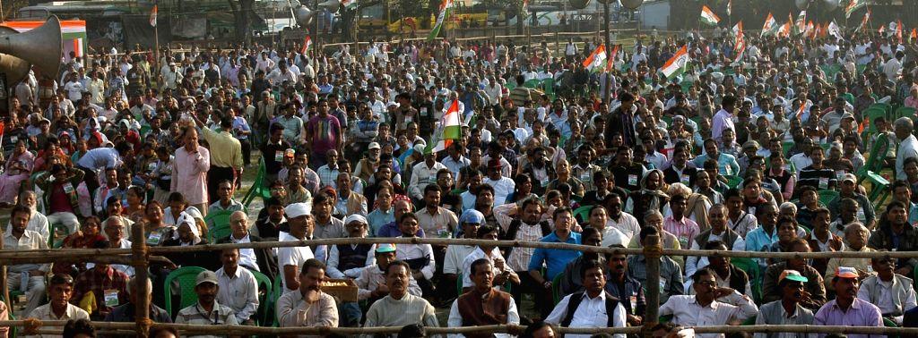 Congress workers participate in `Muktir Padayatra` in Kolkata on Dec.13, 2013.