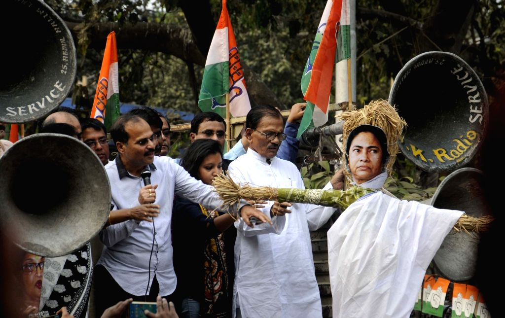 Congress workers stage a demonstration against death of infants due to medical negligence in Kolkata, on Nov 28, 2015.