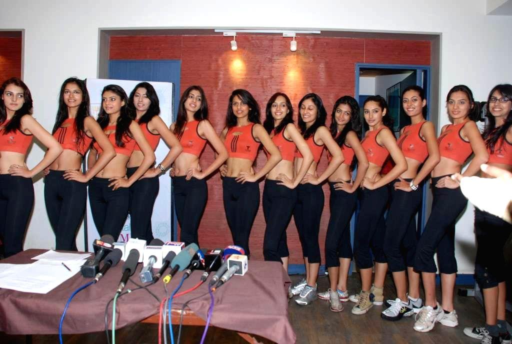 Contestants of Femina Miss India 2009 at Talwalkars Gym.