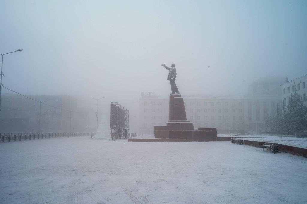 Controversial Lenin statue erected in German city
