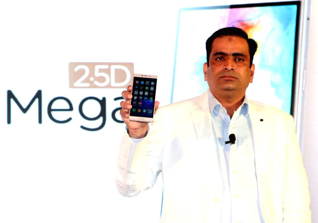 Coolpad India, CEO Syed at the launch of Coolpad Mega 2.5D in New Delhi, on Aug 8, 2016.