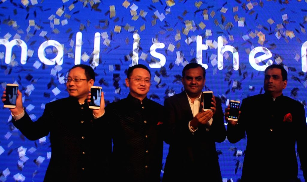"""Coolpad officials launch """"Note 3"""" in New Delhi, on Jan 15, 2016."""