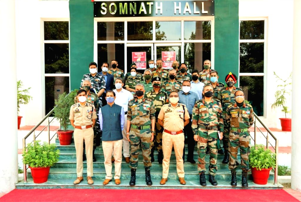 Core group meets in Srinagar to coordinate security