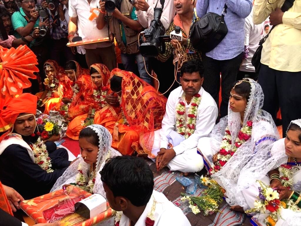 Couples get married during a mass marriage ceremony organised by Shiv Sena in Aurangabad on April 16, 2016.