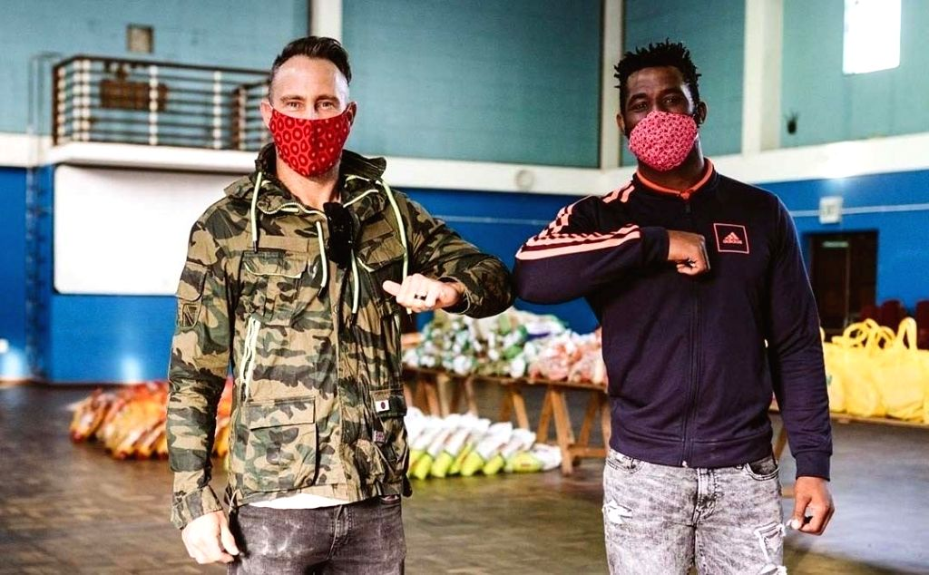 COVID-19: Faf, Siya come together to help Bonteheuwel residents.
