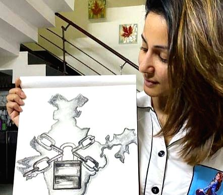 COVID-19: Hina Khan sketches current situation of the country. - Hina Khan