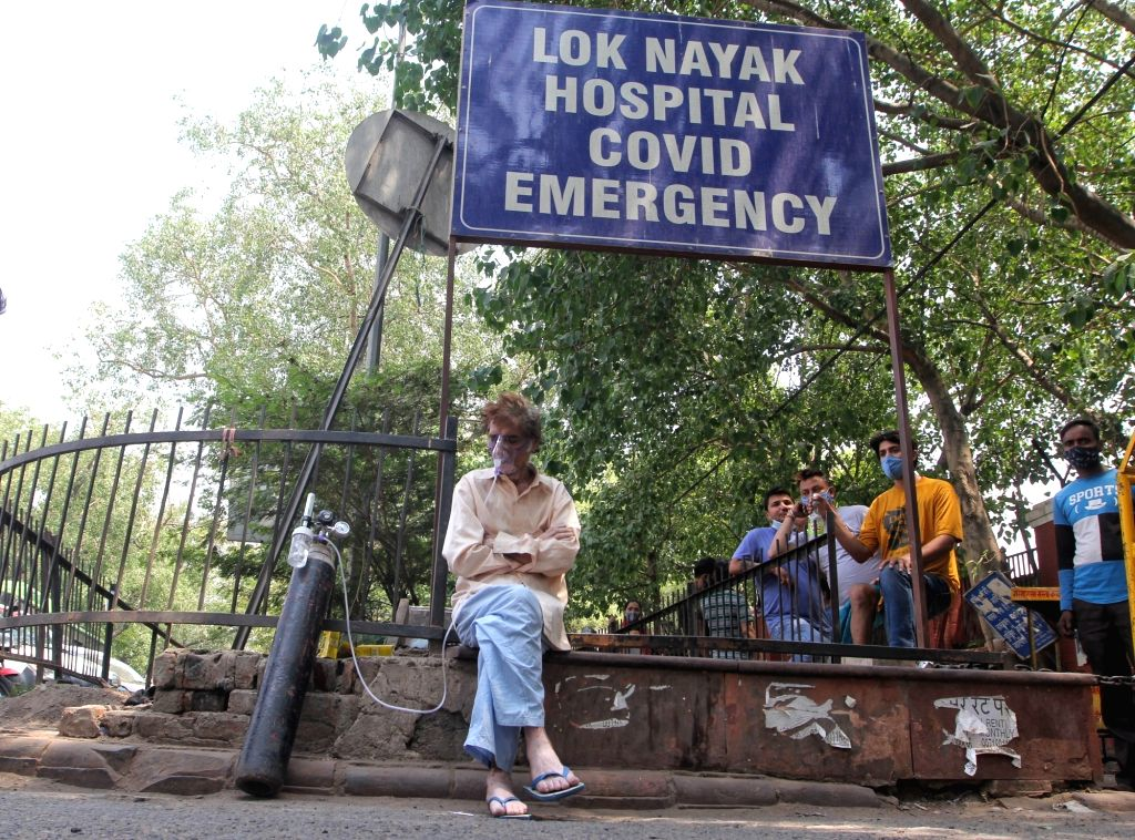 Covid-19 Patient waiting for bed outside Covid-19 Lok nayak jai parkash (LNJP) hospital in new Delhi on Thursday,  April 22, 2021.
