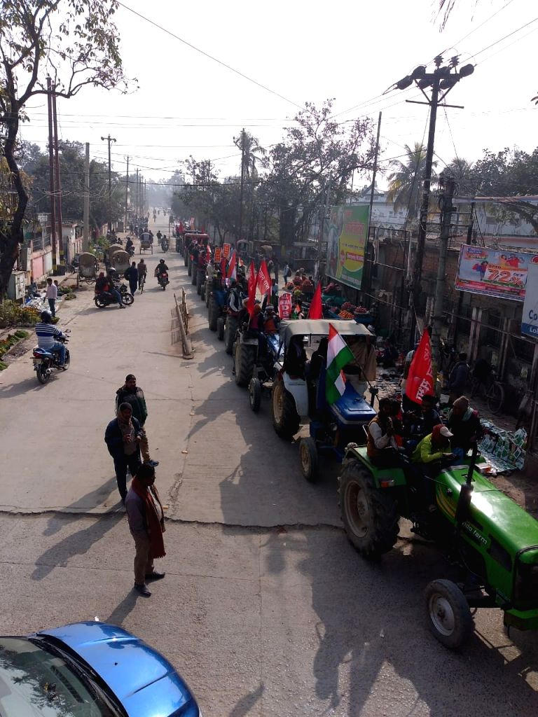 CPI Kisan Mahasabha took out tractor march in Bihar.