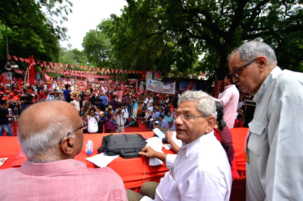 """CPI-M General Secretary Sitaram Yechury  addresses at Mazdoor Kisan Sangharsh Rally - the """"first combined"""" rally by Left-oriented organisationsthe All India Agricultural ... - Sitaram Yechury"""