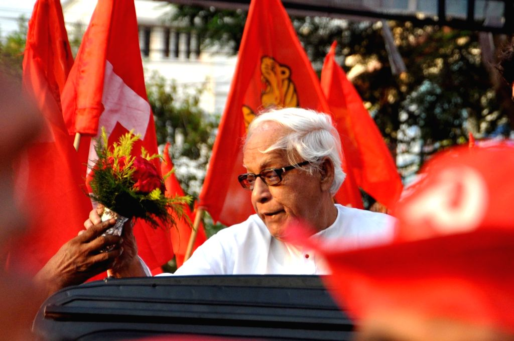 CPI-M leader Buddhadeb Bhattacharjee during a Left Congress alliance rally ahead of the fourth phase of West Bengal legislative assembly elections in Kolkata, on April 19, 2016.