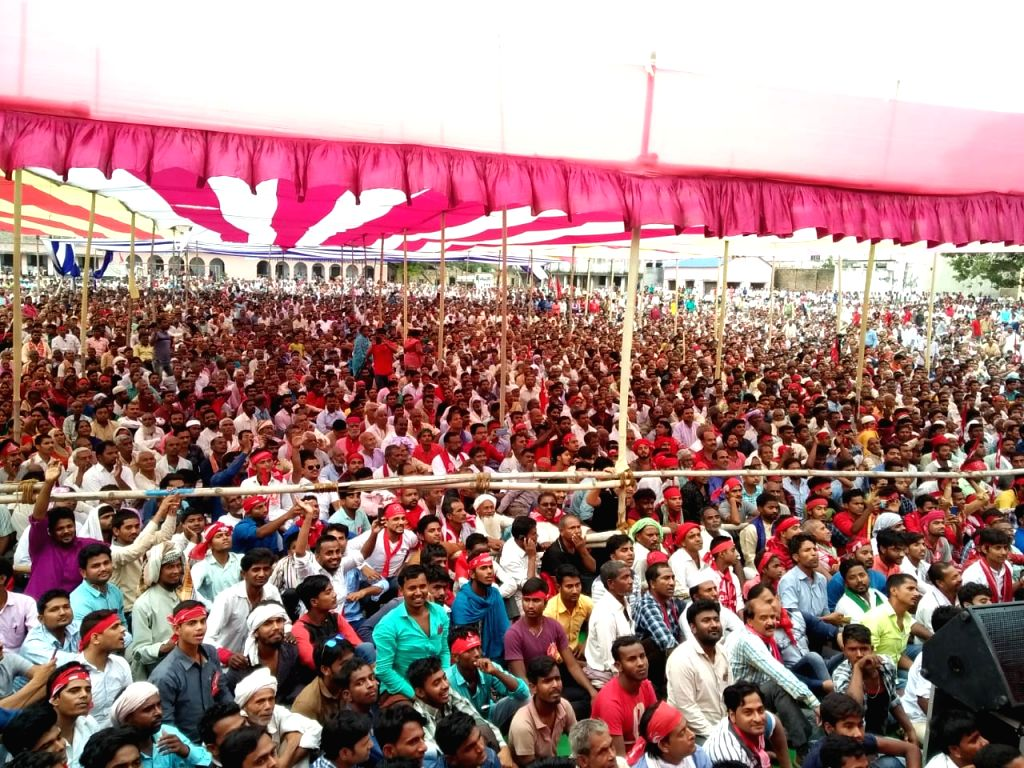 CPI supporters during the party's Lok Sabha candidate from Begusarai, Kanhaiya Kumar's public rally ahead of 2019 Lok Sabha elections, in Bihar's Begusarai on April 9, 2019. - Kanhaiya Kumar