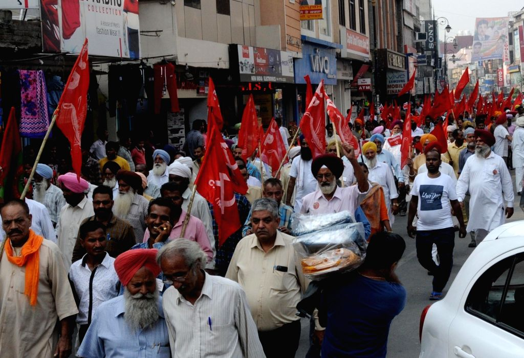 CPI workers stage a demonstration against abrogation of Article 370 of the Indian Constitution in Amritsar on Oct 15, 2019.