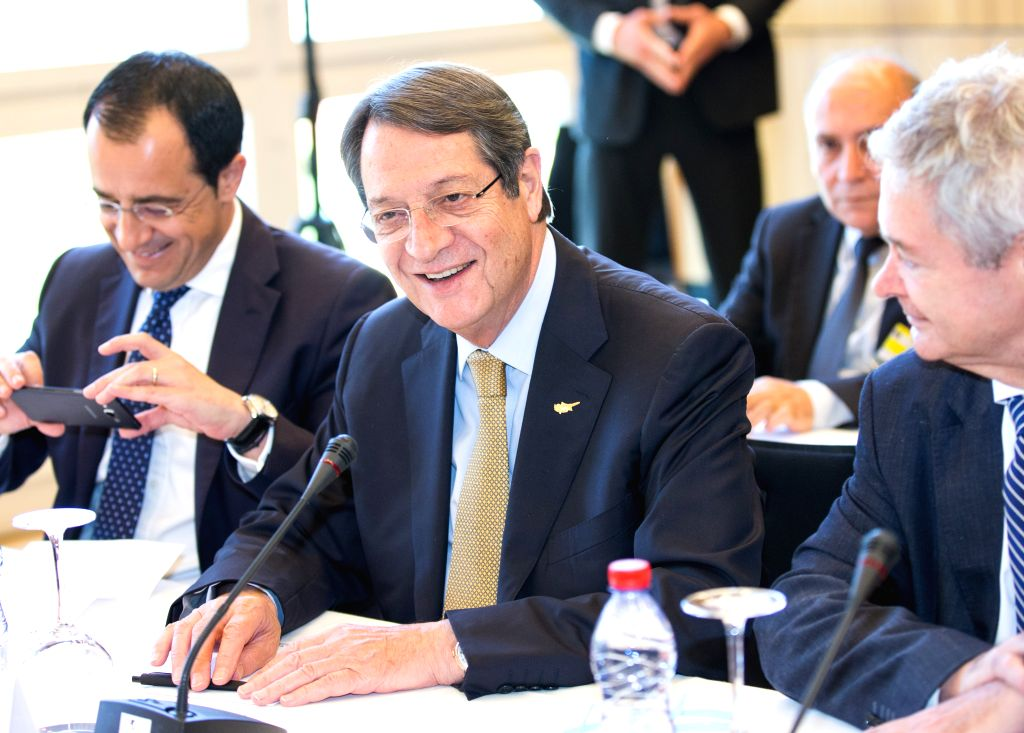 CRANS-MONTANA (SWITZERLAND), July 6, 2017 Cypriot President Nicos Anastasiades (C) takes part in a new round of the Conference on Cyprus under the auspices of the United Nations in ...