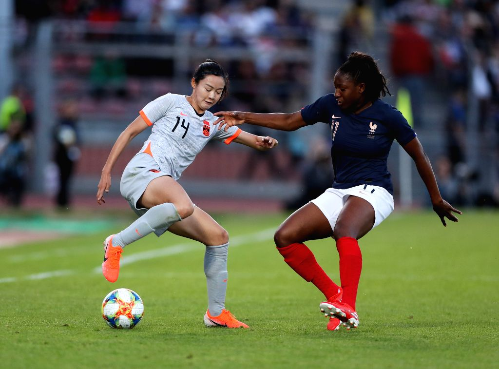 CRETEIL, June 1, 2019 - Wang Ying (L) of China vies with Kadidiatou Diani of France during a friendly soccer match between France and China in Creteil, France, May 31, 2019. France won 2-1.