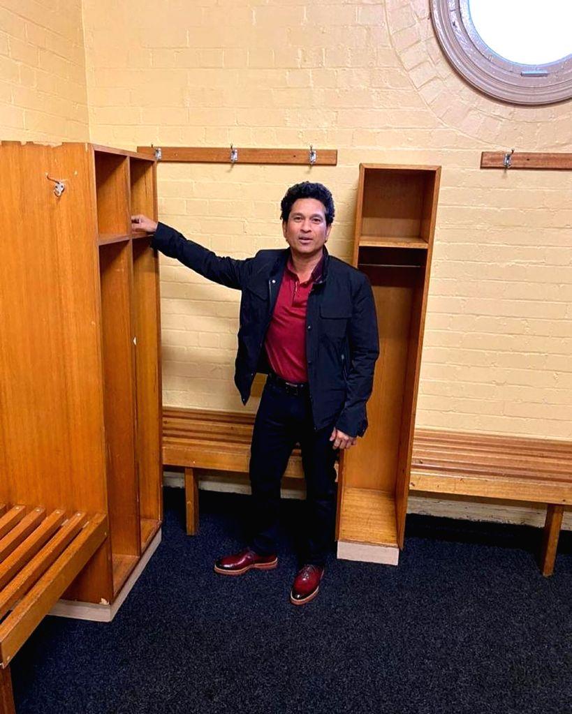 Cricket legend Sachin Tendulkar on Friday went down memory lane as he visited the Sydney Cricket Ground (SCG). Tendulkar, who has fond memories in the historic cricket ground, shared pictures on social media, revealing his favourite spot inside the d - Sachin Tendulkar