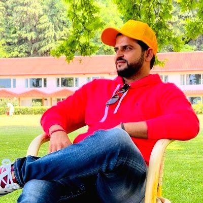 Cricketer Suresh Raina calls on J&K L-G