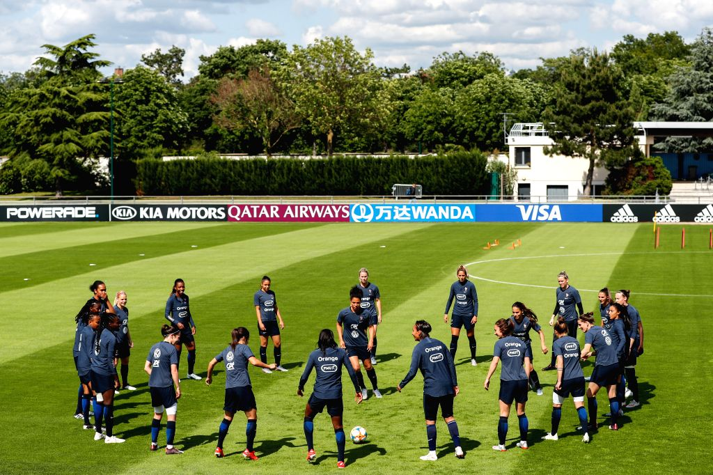 CROISSY-SUR-Players of France attend a training for the upcoming opening match of FIFA Women's World Cup France 2019 between France and South Korea in ...