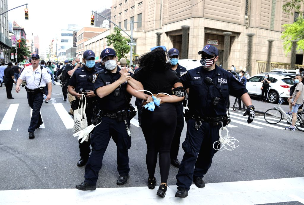 Curfew imposed in NYC to curb violent protests (Ld)