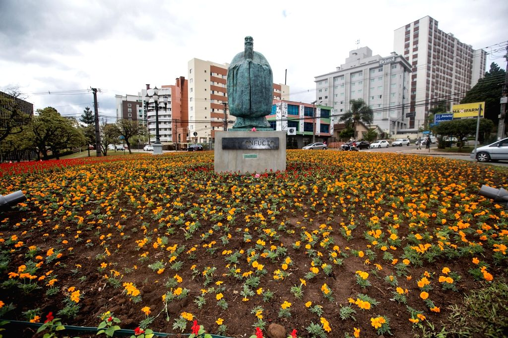 CURITIBA, Oct. 1, 2017 - Photo taken on Sept. 30, 2017 shows the newly-unveiled Confucius bronze statue at China Plaza in Curitiba, Brazil. An imposing bronze statue of ancient Chinese philosopher ...