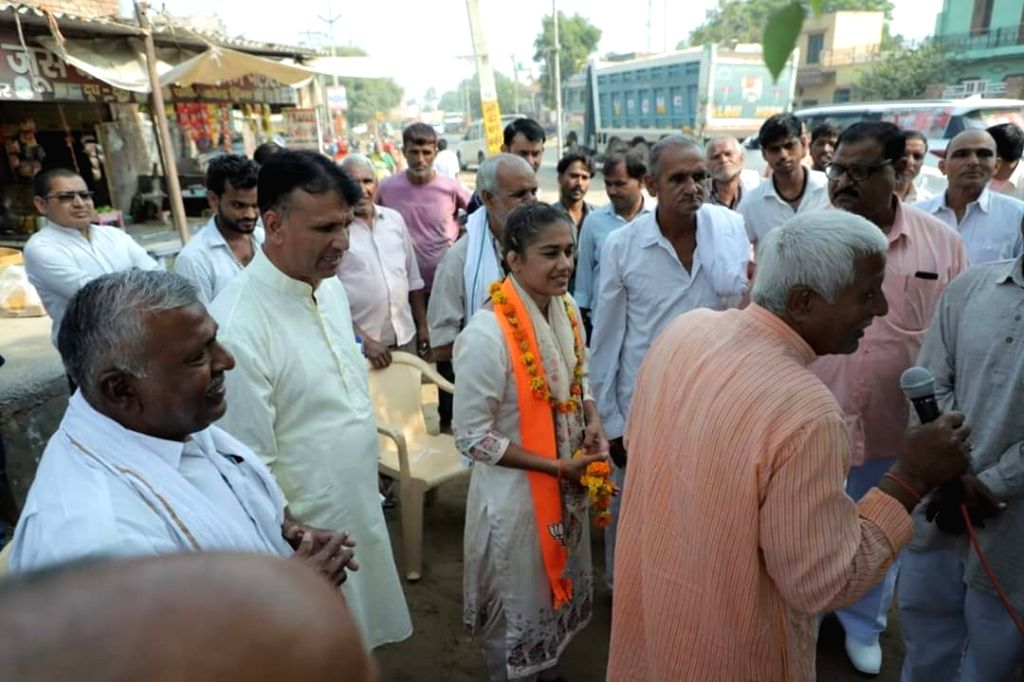Dadri: Two-time Commonwealth Games gold medallist Babita Phogat, who is making her debut in 'political dangal' with Bharatiya Janata Party (BJP) for the upcoming state assembly polls, is advocating promotion of women's sports in the state. (Photo: IA