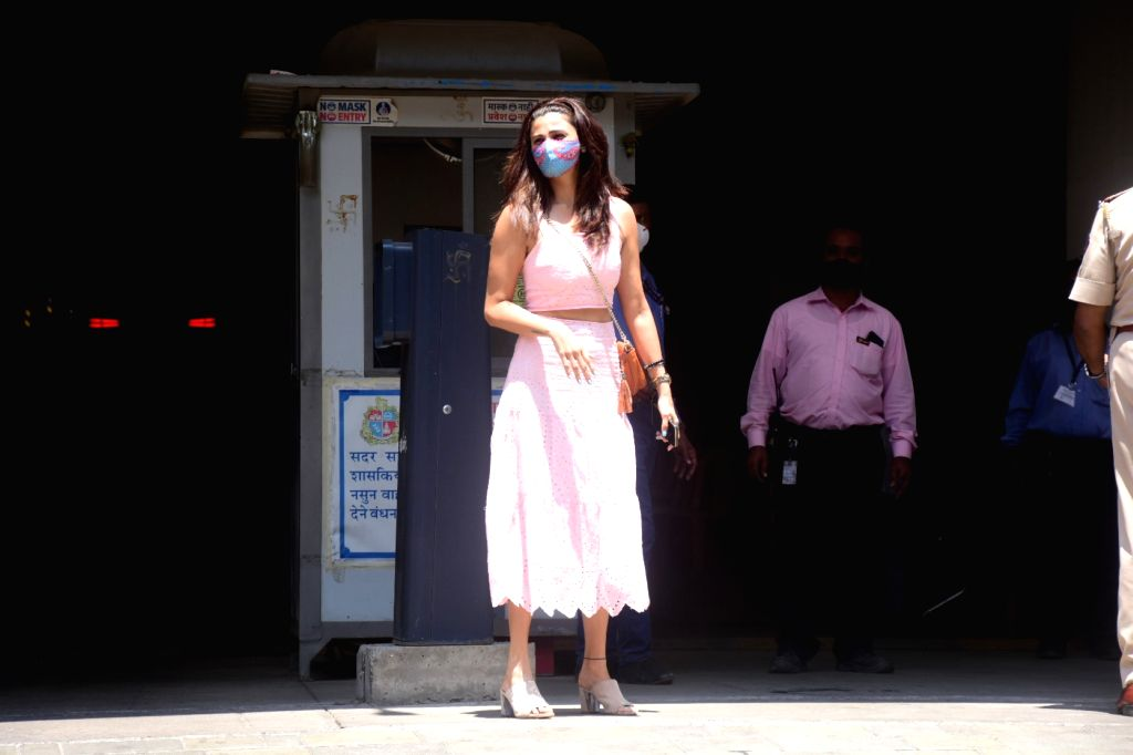 Daisy Shah Spotted Outside Vaccine Centre at Dadar On Tuesday, 11 May, 2021.
