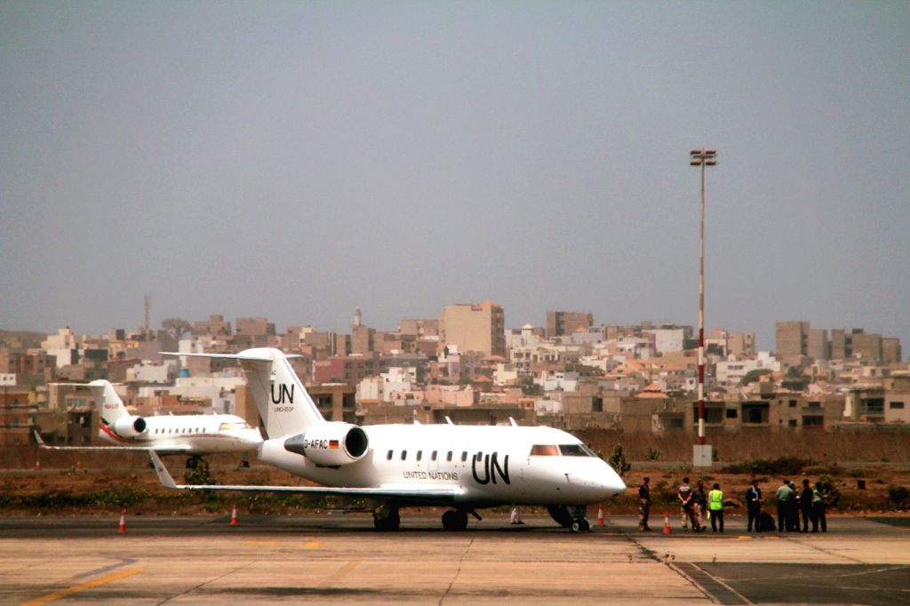 DAKAR, June 1, 2016 - Plane carrying one of the injured Chinese peacekeepers arrives at the airport in Dakar, Senegal, June 1, 2016. China on Wednesday condemned the terrorist attack in Mali in which ...