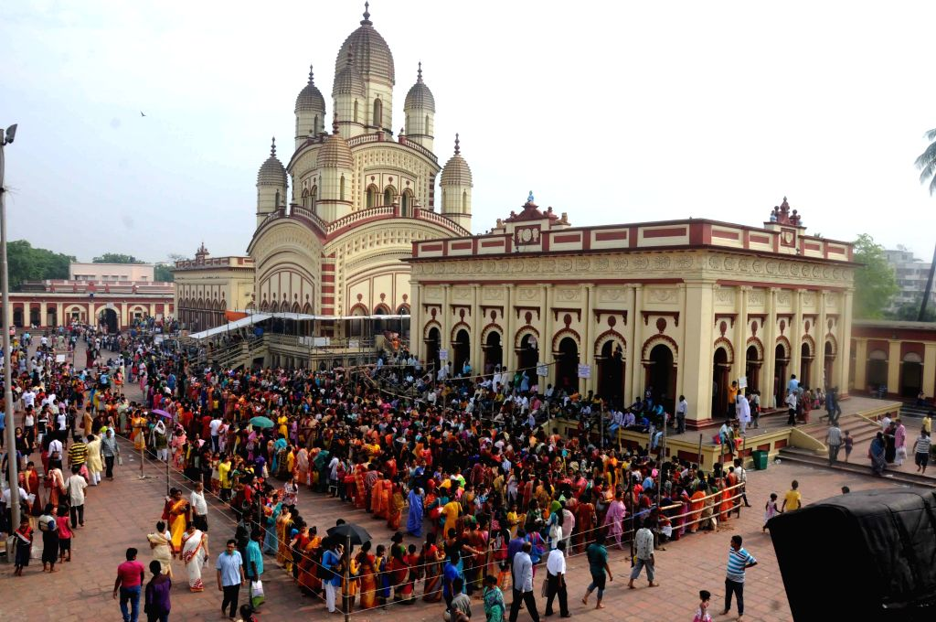 Dakshineswar : Devotees gathered at Dakshineswar Temple on the occasion of Bengali New Year Day at Dakshineswar in West Bengal on April 15, 2015.