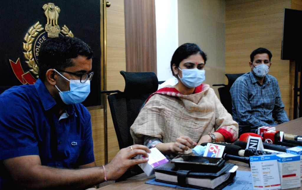 DCP Monika address to media during Crime Branch arrest 10 persons  black - marketing of fake 'Injections' used as Life-Saving drugs in covid and black fungus treatment at PHQ in New Delhi ...