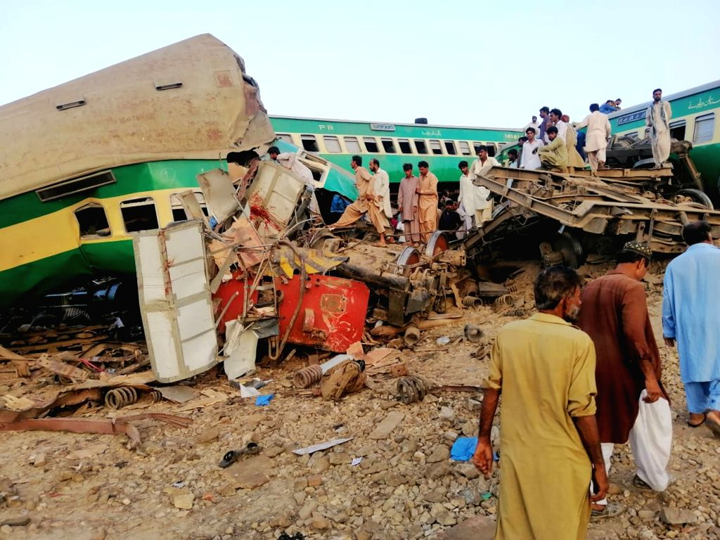 Death toll from Pakistan train collision reaches 62