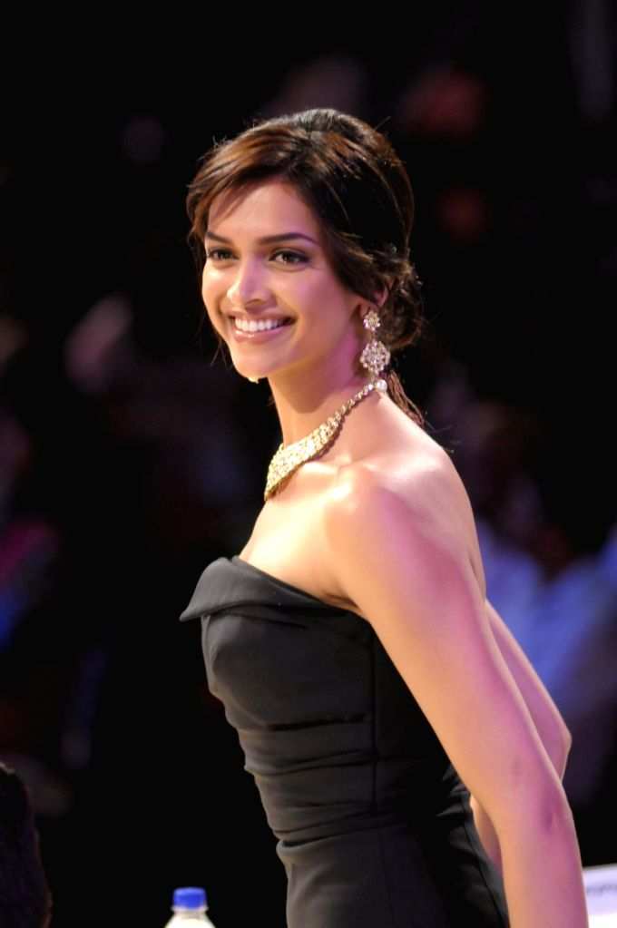 Deepika Padukone at the Pantaloons Femina Miss India '09 pageant on April 5th, 2009 in Mumbai. - Deepika Padukone