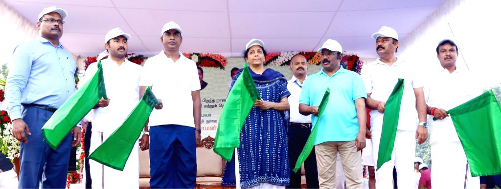 Defence Minister Nirmala Sitharaman flags off 'Run for Unity' Marathon on the birth anniversary of the country's first Home Minister Sardar Vallabhbhai Patel in Chennai on Oct 31, 2018. - Nirmala Sitharaman and Sardar Vallabhbhai Patel