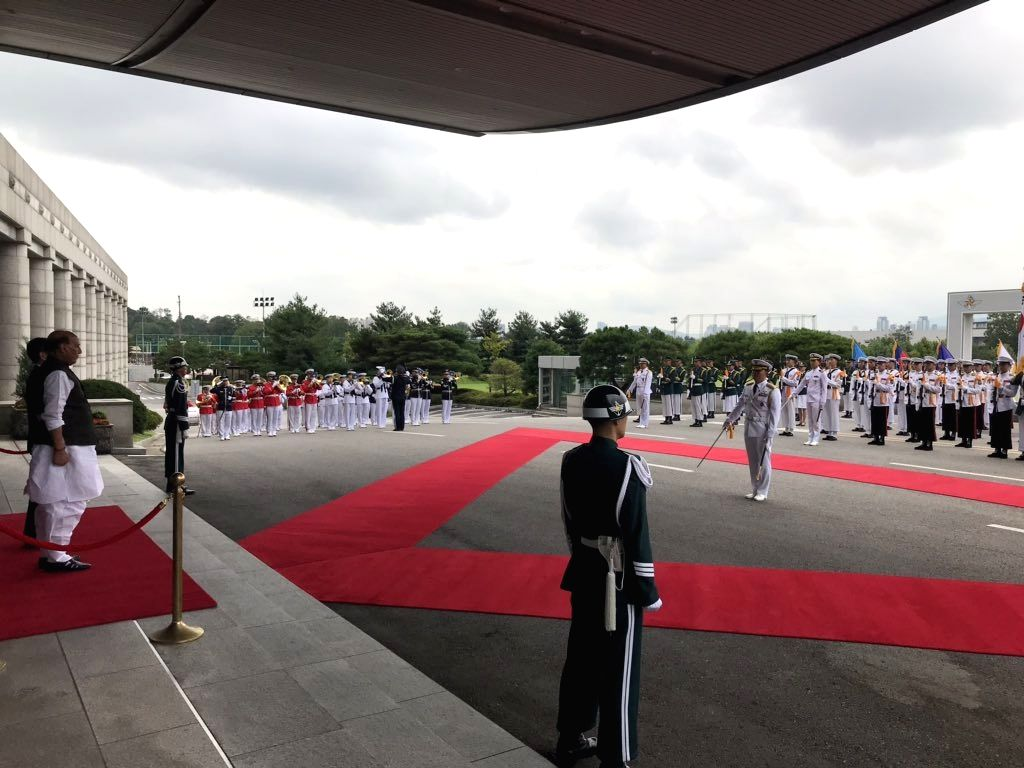 Defence Minister Rajnath Singh accorded the ???Guard of Honour??? by the Tri Services of Republic of Korea Defence Forces on his arrival at the Ministry of National Defence for the bilateral ... - Rajnath Singh